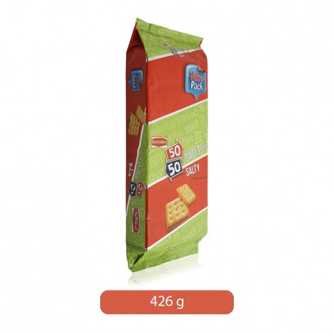 Britannia-50-50-Sweet-and-Salty-Crackers-426-g_Hero